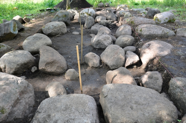 Aakre tarandkalme kaevamised 780